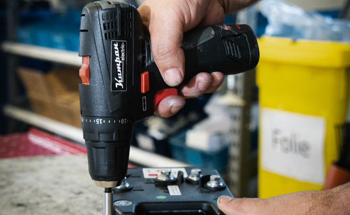 cordless power drill using at home